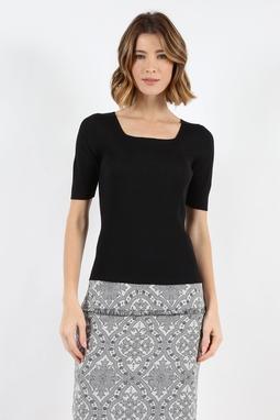 Blusa Trt Decote Quadrado Preta