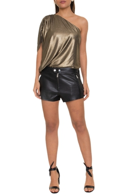 Shorts curto couro liso com ziper nos bolsos da frente lateral de suede - DG16052