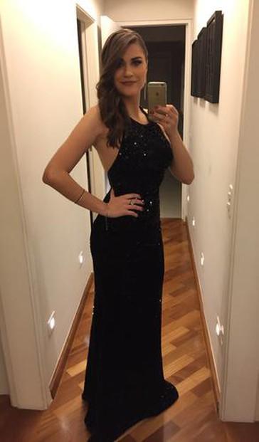 O vestido é incrível. Muito obrigada.