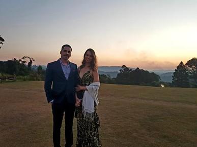 Vestido perfeito para um casamento no campo! Caimento incrível e peça em ótimas condições.