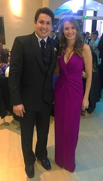 Foi perfeito! O vestido estava impecável! O atendimento excelente e a logística 'redondinha'! Valeu a pena!