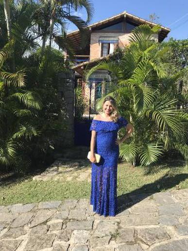 O vestido Anyta EASY FIT serviu muito bem, pois estou grávida, e deu em cima!! Estava lindo.
