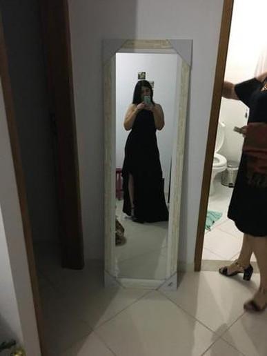 O vestido ficou perfeito e quando tiver algum outro evento alugarei vestido para ocasião