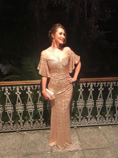 Amei o vestido, ficou perfeito! Todo mundo comentou que parecia que eu estava em uma premiação do Oscar!