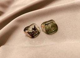 Brinco pedras transparente