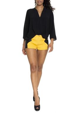 Shorts Amarelo Detalhe Couro - DG15197