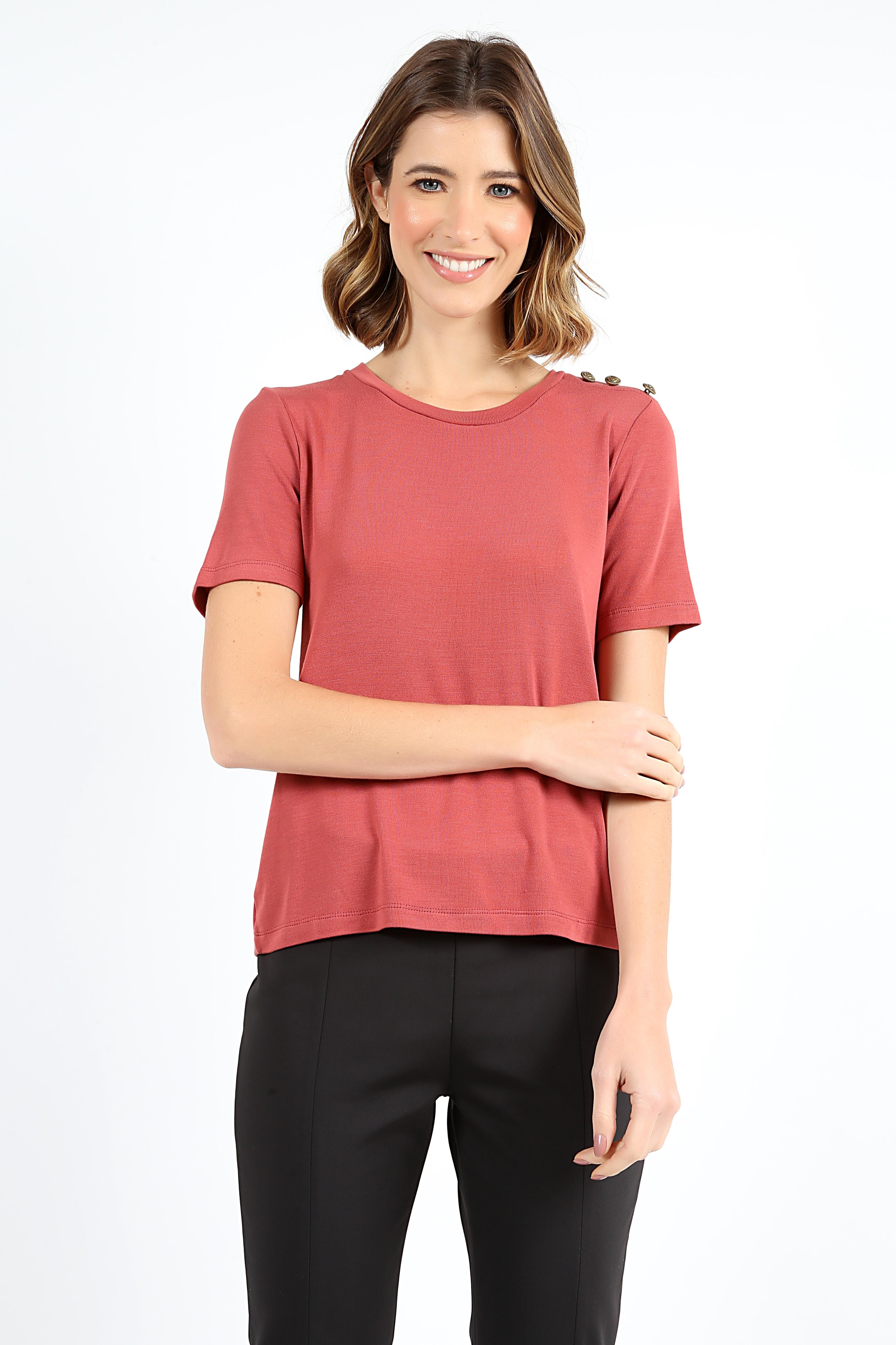 Camisa Tres Botoes Ombro Vermelha